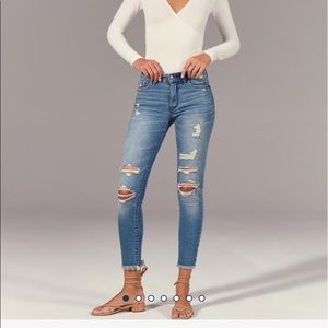 Ripped ankle distressed jeans
